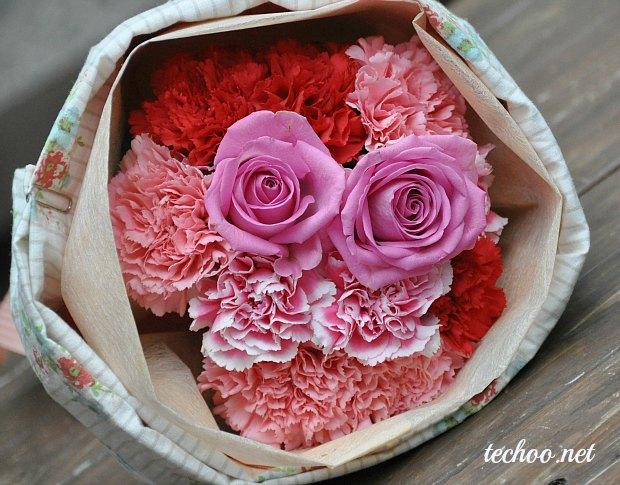 日比谷花壇の母の日プレゼントエプロンブーケで 1 buy 2 ways