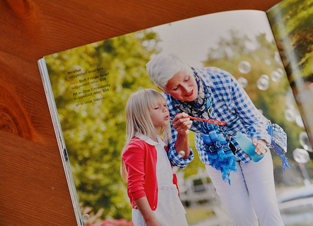 フェリシモの服可愛い!水色ギンガムチェックのシャツやトレンチコート