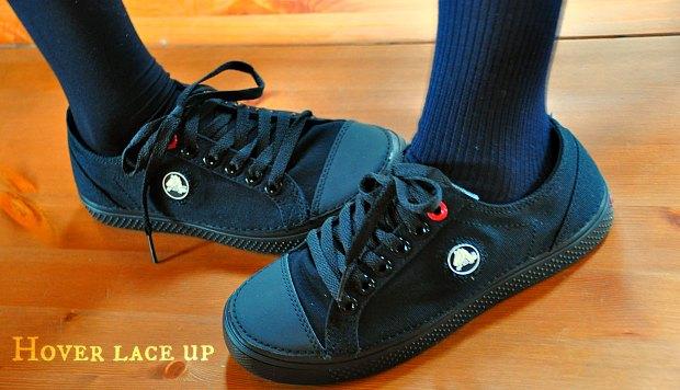 通学靴スニーカー制服に可愛いクロックスフーバーレースアップhover lace up