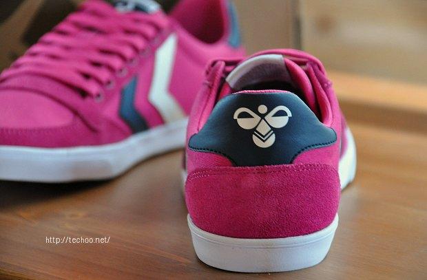 ヒュンメル可愛いスニーカーhummel学生の運動靴北欧メーカー体育授業で使用