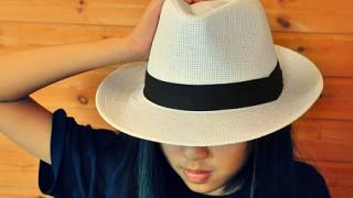 白いハット流行中!パナマ帽はホワイトで!ストロー素材で涼しげコーデ