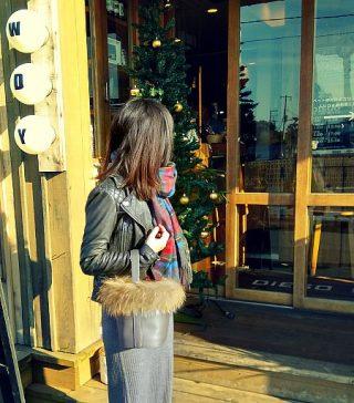 ファーバッグでSTORY世代のおしゃれな冬コーデ