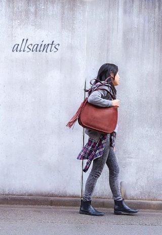allsaints(オールセインツ)のレザーバッグでたらしファッション