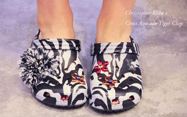 Christopher-Kane-x-Crocs-Avocado-Tiger-Clogsss3321