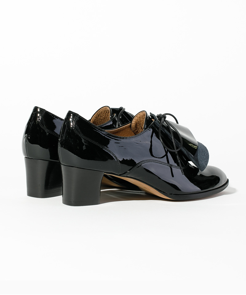 blackshoescarnet4